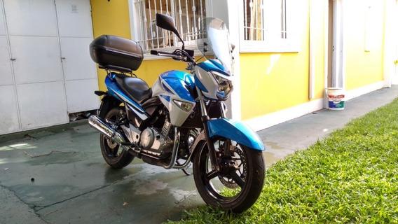 Suzuki Inazuma 250 Bicilindrica - La Mejor 250 Naked