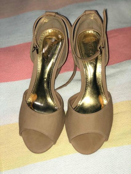 Sandalias/zapatos Importados Con Pulsera Y Taco Medio.