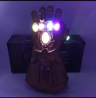 Guante De Thanos Con Luz Led Incluye Pilas