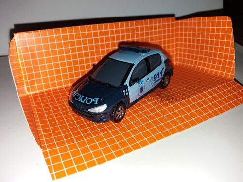 Autito Escala 1.43..patrullero Peugeot 206 Capital Federal