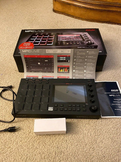 Akai Professional Mpc Live Music Production Sampler