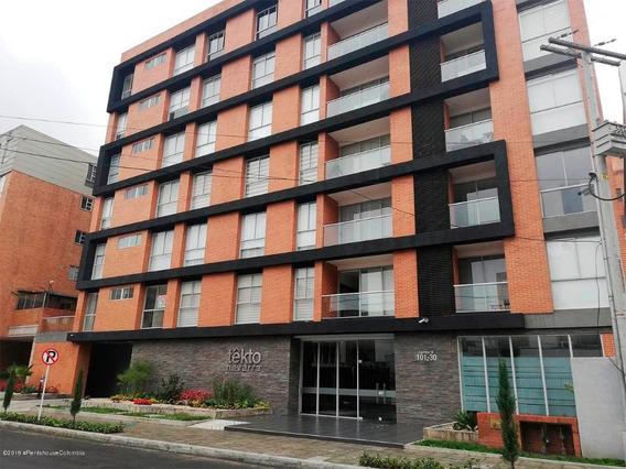 Apartamento En Arriendo En Chico Navarra Mls 20-331 Fr