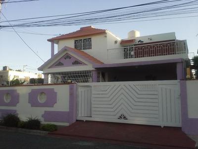 Casa Cerca Del Italia En La San Isidro U$180.000 Negocia