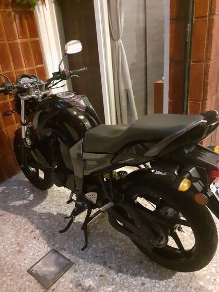 Yamaha Fz16 Negra