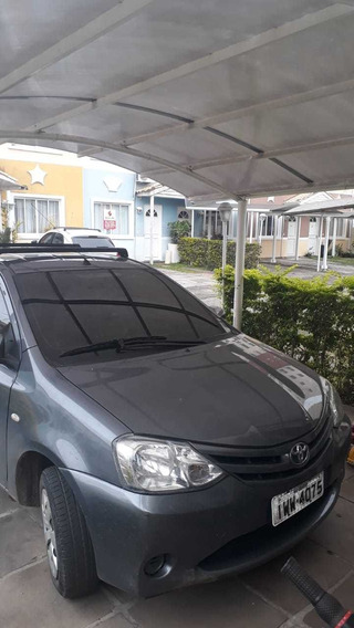 Toyota Etios Sedán Etios Sedan X 1,5
