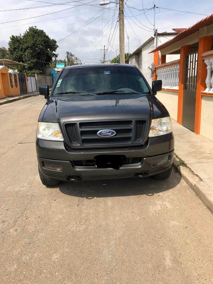 Ford F-150 Cabina Y Media 4x4
