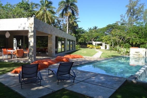 Vendo Villa Contemporánea En Playa Bretón Cabrera