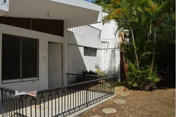Casa Para Negocio Ubicada Una Esquina Av. Romulo Betancourt