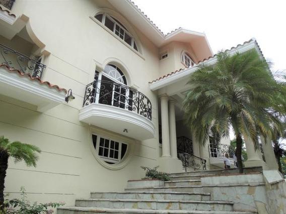 Quinta En Los Rios, 950 Mts, 6 Hab, Urbanización Familiar.