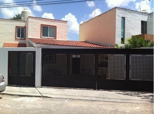 Casa De 2 Pisos En La Colonia Maya En Mérida