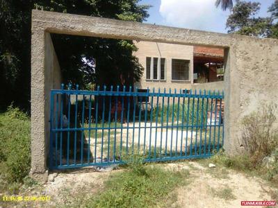 Town House Cata Urb. Privada Asocata