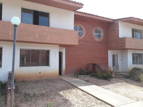 Townhouse En Rafael Pocaterra 20-9045 Raga