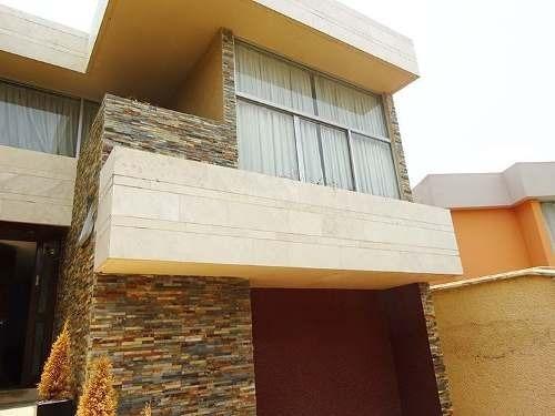 Casa En Venta En Tecamachalco. Calle Cerrada