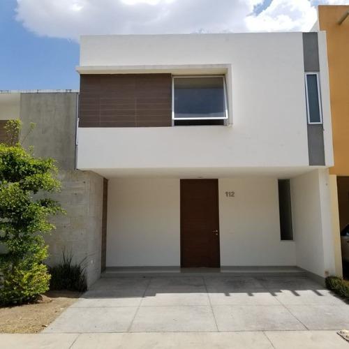 Excelente Residencia En Venta En Solares Frente Al Tec De Monterrey Guadalajara