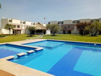 Hermosas Casas Con Alberca En Real Santa Fe