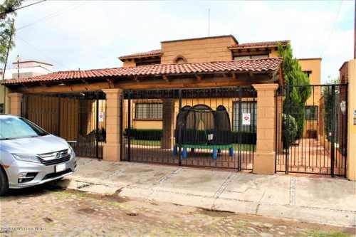 Casa En Venta En Jurica, Queretaro, Rah-mx-19-1835