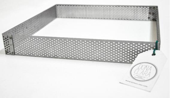 Cintura Perforada Molde Cuadrado 22x22cm Doña Clara