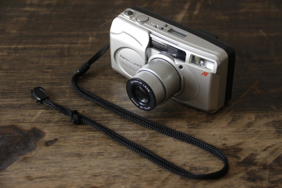 Câmera Olympus Infinity Zoom 70
