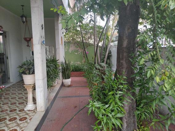 Casa Térrea Padrão Com Terraço E Dependências - Higienópolis