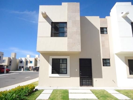 Renta Casa 3 Recamaras Rincones Del Marques Privada