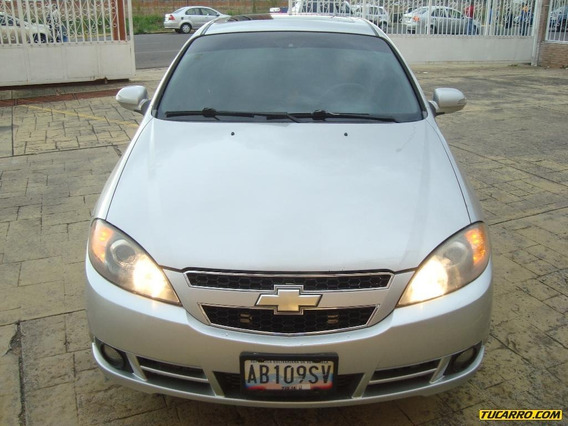 Chevrolet Optra Advance - Automática