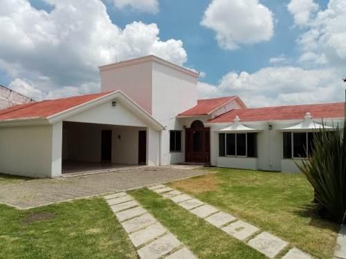 Amplia Casa En Renta De Una Planta