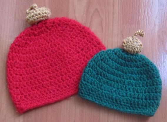 Gorro A Crochet, Esfera Navideña. Talla 6 - 9 Meses