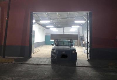 Bodega De 420 Mts2, Oficinas Y Estacionamiento.