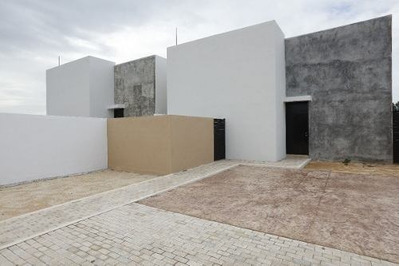 Se Vende Casa De 3 Cuartos Con Alberca En Dzitya