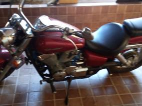 Shedow 750 Vermelha 2006