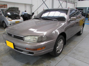 Toyota Camry Deluxe
