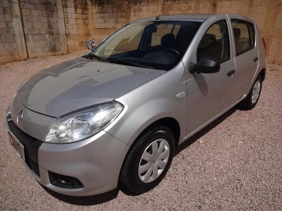 Renault Sandero Authentique 1.0 2013