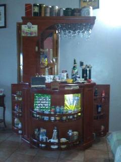 Bar De Madera Laqueada (sólo El Mueble) Se Escuchan Ofertas