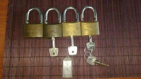 Vendo 4 Cadeados Usados - Confira
