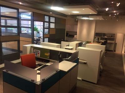 Oficinas En Arriendo Santa Barbara 84-1555