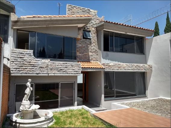 Casa En Venta En Lomas Del Mármol