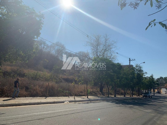 Avenida Das Gaivotas Lt 08 Qd 03, Alto Esplanada, Governador Valadares - 401231