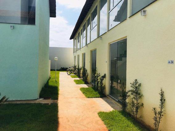Belo Condominio Em Ótimo Local, 900 Mts Do Mar - V1033