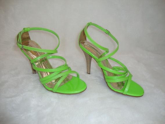 Sandalia Com Salto Verde Viamarte Num 37