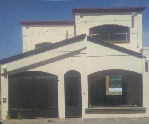 Se Vende Casa En Fraccionamiento Villa Dorada