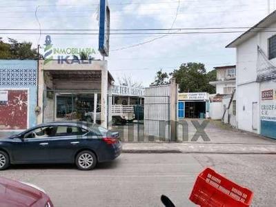 Renta Local Comercial Centro Tuxpan Veracruz. Se Renta Local Comercial Con Estacionamiento Incluyendo Tres Locales Más, Dos A Borde De Calle Y Uno En Primera Planta En Excelente Zona Comercial, A Un