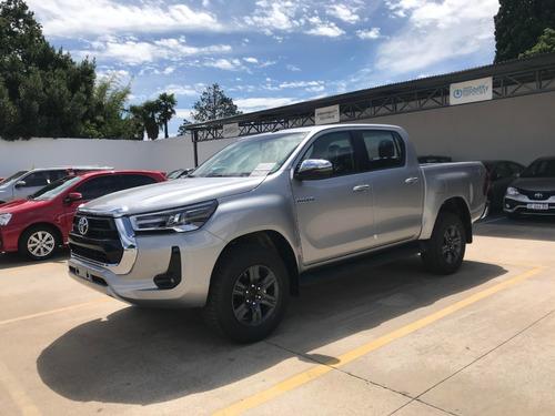 Toyota Hilux 2.8 Cd Srv 177cv 4x4 M/t
