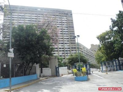 Código # 943 Bello Apartamento En La Guaira.