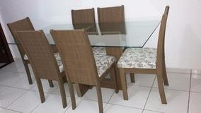 Mesa De Vidro Quadrada Com 6 Cadeiras No Plastico