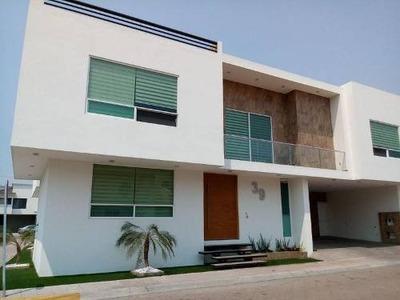 En Venta Hermosa Residencia En El Fracc. Rincón Campestre Qro, Mex