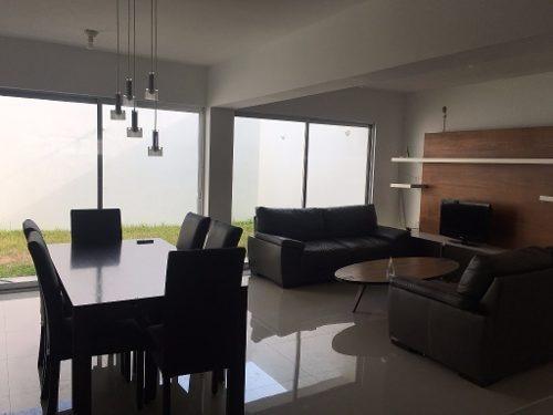 Se Vende Casa De 3 Recamaras En La Privada Real De Palmas; Cuenta Con Vigilancia Las 24hrs, Con Exc
