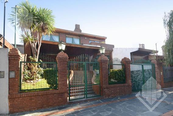 Casa 4 Amb 340 Mts Excelente Estado C/ Piscina - Caseros