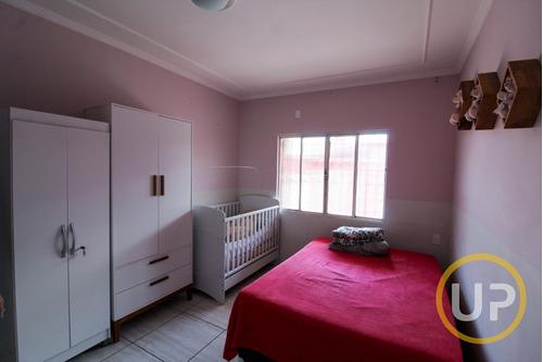 Imagem 1 de 15 de Casa Térrea Com 04 Quartos E Piscina Em Angola  -  Betim - 8290