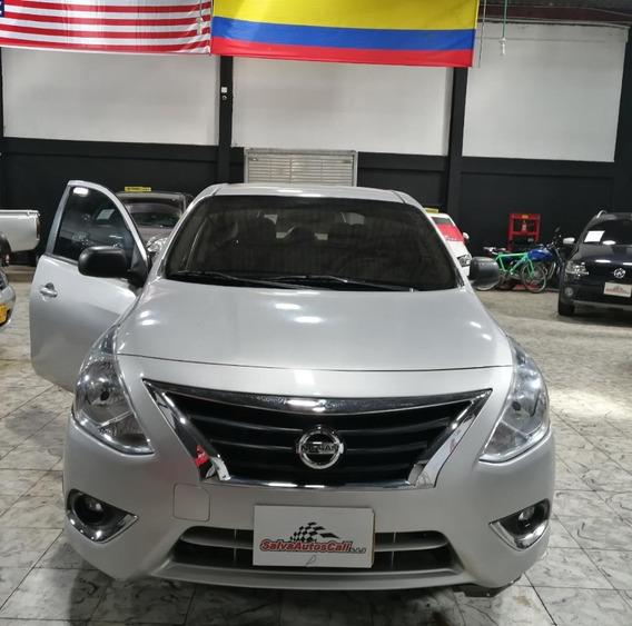 Espectacular Nissan Versa 2018