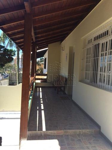 Casa Com 4 Quartos A Venda No Bairro Trindade Em Florianopolis. - V-81898